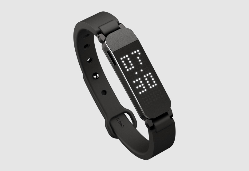 Fitness Tracker ZIKTO Walk dynamic design